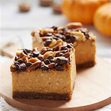 Salted Pumpkin Caramel Cheesecake Bars